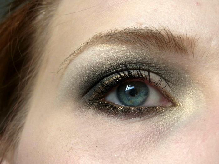 festliches makeup weihnachten silvester 2012 der blasse schimmer. Black Bedroom Furniture Sets. Home Design Ideas