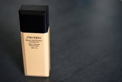 Shiseido Sheer & Perfect Foundation (I20)