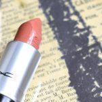 Die Farbe von Sommersprossen <br/> MAC Freckletone