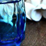 Von Holz und fruchtsüßen Blüten <br/> Elie Saab Resort Collection