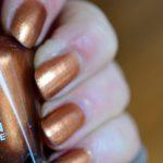 Kupfer auf den Fingern <br/>Sally Hansen Copper 838