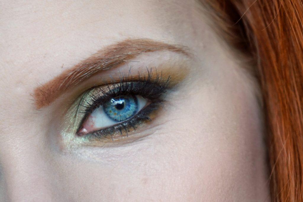 NACHGESCHMINKT </br> Dezember 2017</br>Smokey Golden Olive Eye Makeup